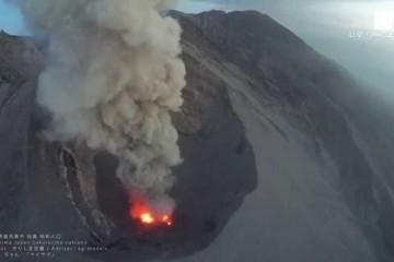 桜島火口の溶岩 lava By Sakurajima