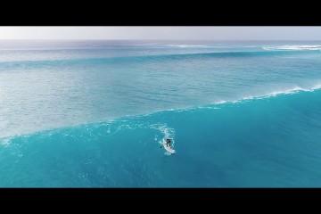 サーフィンとSUPで波乗り